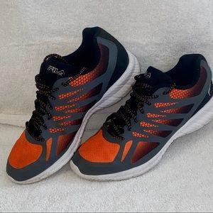 Boy's Sz 7 Fila Sneakers